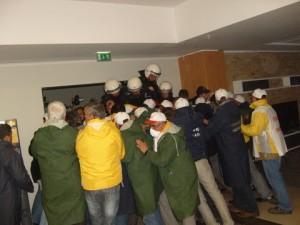 BAT işçilerine polis müdehalesi