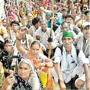 Hindistan: BKU çifçileri Uttar Radeş'de herşeyi protesto ettiler