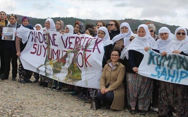 Kumarlar Köyü Kadınları;