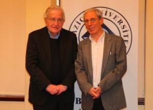 """Noam Chomsky: """"Dünya çok vahim bir çevre felaketine doğru gidiyor"""""""
