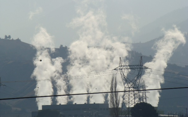 Yenilenebilir enerji kaynaklarının tarımda kullanımı ve çevreye etkileri  / Adnan Çobanoğlu