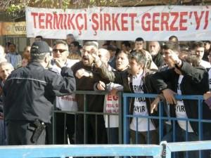 İnşaata gömüldüler ithal ete muhtaç ettiler / Mustafa Sönmez