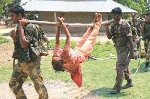 Hindistan polisi 20 köylüyü katletti