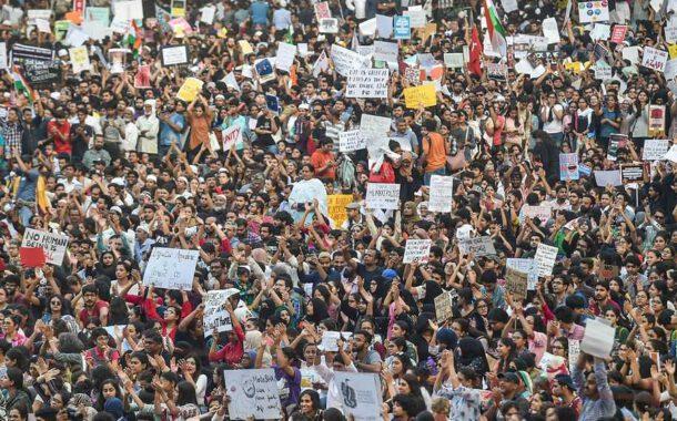 Hindistan'da 250 milyon işçi, çiftçi ve öğrenci genel greve gitti