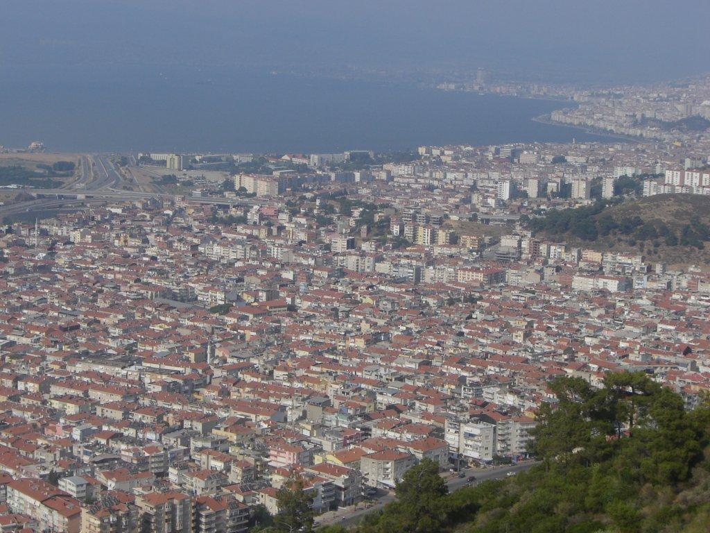 Hükümetin ve Yerel Yönetimlerin İzmir'e ilişkin Enerji ve Tarım politikalarına Ekolojik Perspektiften bakmak  /  Adnan Çobanoğlu