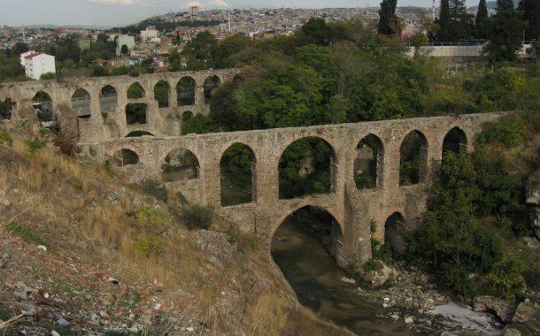 İzmir'de de su şirketlerinin hâkimiyeti mi?