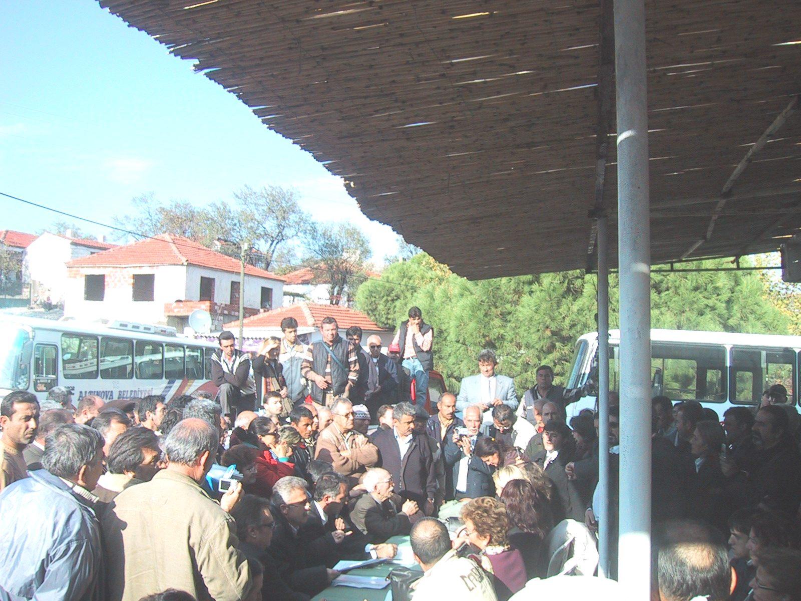 Karaayıt Köyü'nde ÇED toplantısı protestolar arasında yapıldı