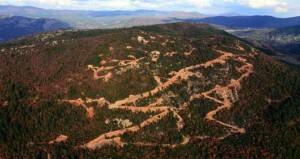 Çanakkale Belediye Başkanı çevre talanının fotoğraflarını gösterdi