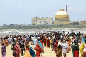 Hindistan'da köylüler nükleer santrale karşı ayaklandı
