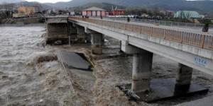 Köprü faciasına HES'ler mi neden oldu?