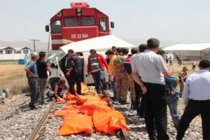 Manisa'da tarım işçilerini taşıyan minibüse tren çarptı: 6 kişi hayatını kaybetti
