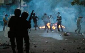 Ayaklanmalar hükümeti korkuttu: Özelleştirmelere fren