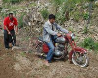 Öküz yoksa motosiklet var