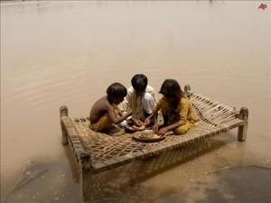 Pakistan'da gıda stoğunun tamamı yok olmuş olabilir