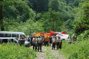 Yöre halkı Peri Suyu'ndan vazgeçmiyor