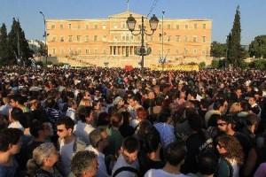 İspanya ateşi Yunanistan'ı da ısıtıyor
