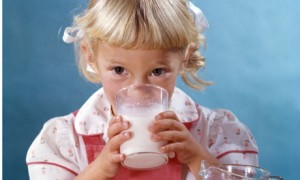 Finliler 2 bardak  Türkler çeyrek bardak  süt içiyor