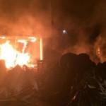Fransa'da çiftçiler vergi dairesini yaktı