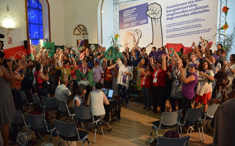 Via Campesina Köylü kadınlar meclisi : Dünya gıda egemenliği ve feminizmle dönüşecek